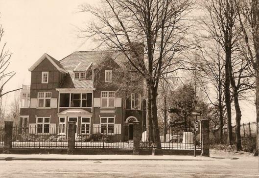 Bloemenhove aan de Herenweg in Heemstede, waar Nieuw Unicum van eind 1962 tot 1970 was gevestigd