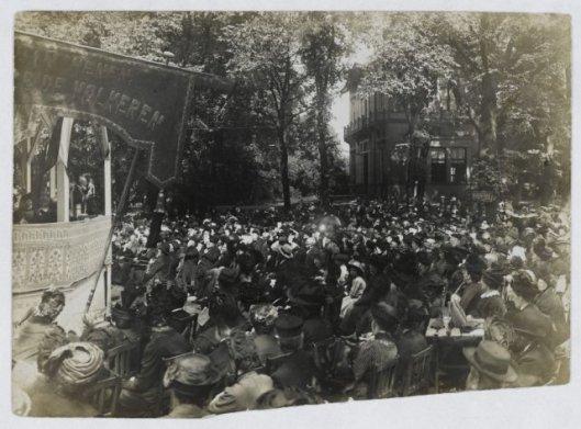 D.R.Bouhuijs (1852-1924), godsdienstonderwijzer in Amsterdam, organiseerde tussen 1900 en 1910 enkele zeningsbijeenkomsten in Velsen (NHA)