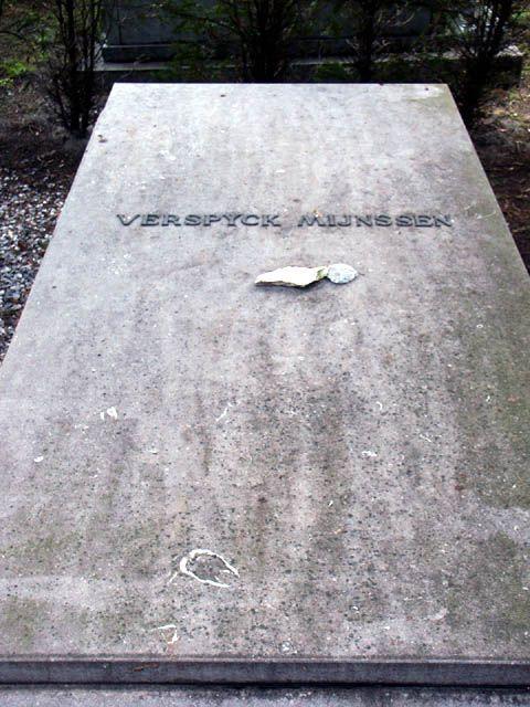 Graf van Verspijck Mijnssen op de gemeentelijke begraafplaats aan de Kerkhoflaan in Den Haag