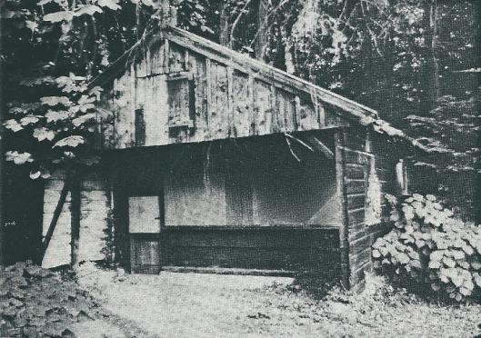 Het historische vinkenhuisje van Dennenheuvel nabij Bloemenoord, Kadijk, Heemstede