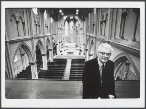 Pastoor De Vries in de H.Bavokerk Heemstede