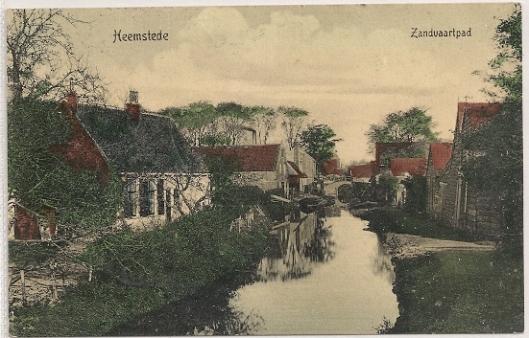 (Gedempte) Zandvaart achter de Raadhuisstraat Heemstede op een ansichtkaart uit 1904