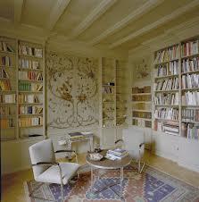 Interieur bibliotheek in villa te Arnhem gebouwd in 1921 in traditionalistische stijl naar een ontwerp van Jan Granpré Moliëre