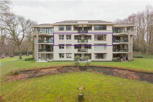 Appartementencomplex Eikenrode aan de Prinsenlaan nabij de Herenweg