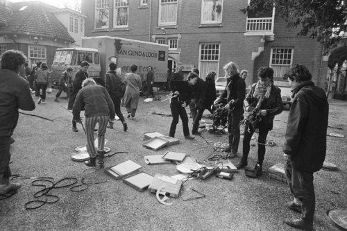 8 maart 1983: tijdens internationale vrouwendag vernietigen vrouwen pornofilms van het Filmbureau Leger op Eikenrode