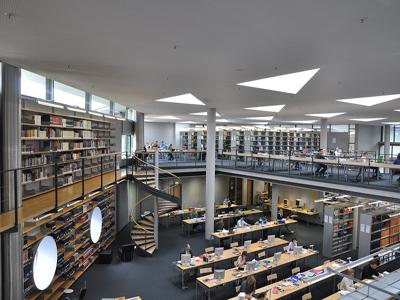 Leeszaal van de Duitse Nationale Bibliotheek in Frankfurt