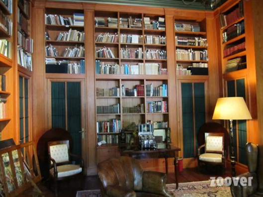 Nog en foto van boekerij in Geelvinck Hinlopen Huis