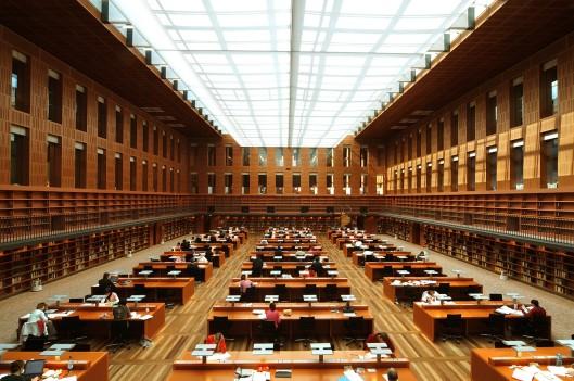 Leeszaal in de Sächsiche Staats- und Universitätsbibliothek Dresden