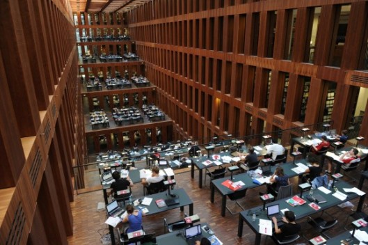 Leeszaal van de Jacob und Wilhelm Grimm Biblliothek, Humboldt Universiteit Berlijn