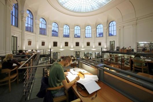 Leeszaal in de Bibliotheca Albertina, Universiteitsbibliotheek Leipzig