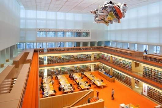 Foto van de in 2013 geopende nieuwe leeszaal van de Deutsche Staatsbibliothek in Berlijn, Unter den Linden (foto BPK, Jörg Müller)