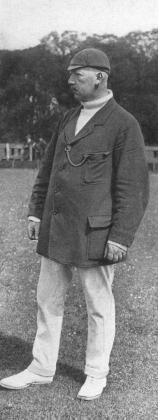 C.J.Posthuma was een excellent cricket, lid van Rood-Wit, bijgenaamd 'De Leeuw van Heemstede'.