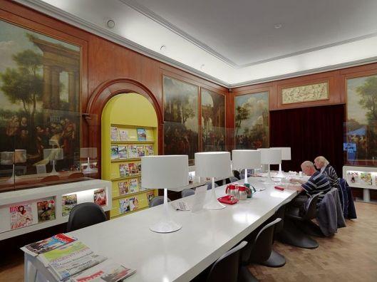 Leeszaal in bibliotheek Roosendaal (Rijksmonment nr. 517275)