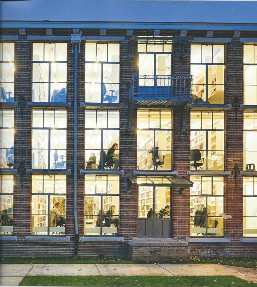 In 2013 verscheen een boek over de nieuwbouw: 'The University Library in the Academic World'., een uitgave van Grosveld van der Velde ism met DHV. Bovenstaand een foto van het boekendepot vanuit de binnentuin