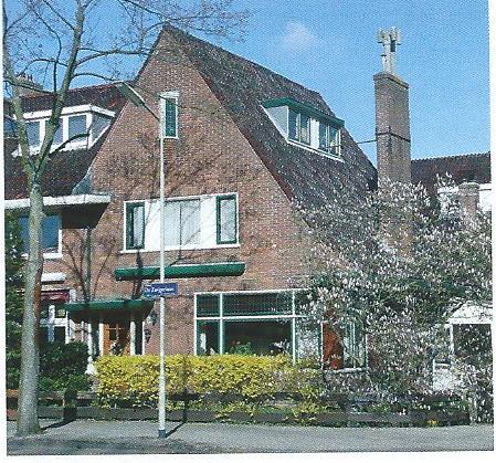 Pand Willem de Zwijgerlaan 24, ontworpen door Andries de Maaker (foto Klaas de Jong)