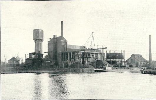 De gemeentelijke Gas-, Duinwater- en Elekriciteitsbedrijven aan de haven van Heemstede (1927)