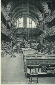 Ansicht met interieur van de oude kloosterbibliotheek Wittem uit 1936