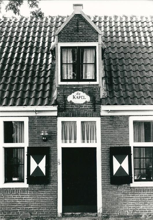 Huis de Kapel aan de Manpadslaan nabij de Leidsevaart (foto Vic Klep)