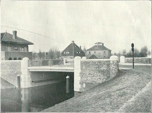 De nieuwe brug over de Crayenestervaart, 'Marisbrug' genaamd