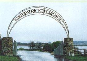 Toegang naar St. Patrick Purgatory (Vagevuur) nabij Donegal in Ierland