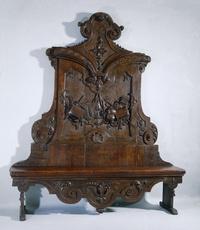 Tuinbank van grenenhout afkomstig van Meer en Berg, vermoedelijk ontworpen door Daniel Marot, circa 1730. Via Deutz van Lennep en kunsthandelaar Goudstikker in het Rijksmuseum terecht gekomen