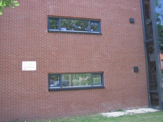 Appartementencomplex genaamd Westerduin tegenover de H.Bavokerk op de rand van de Geleerdenwijk, gebouwd op de plaats van de gesloopte Henricus-ulo