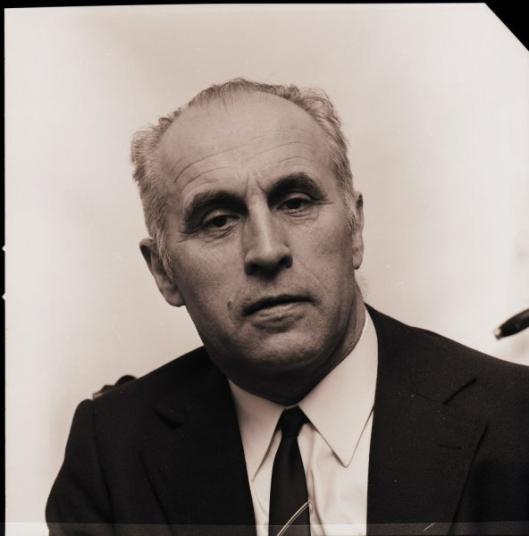 Jan Bomans. Portret van fotograaf Eddy de Jongh