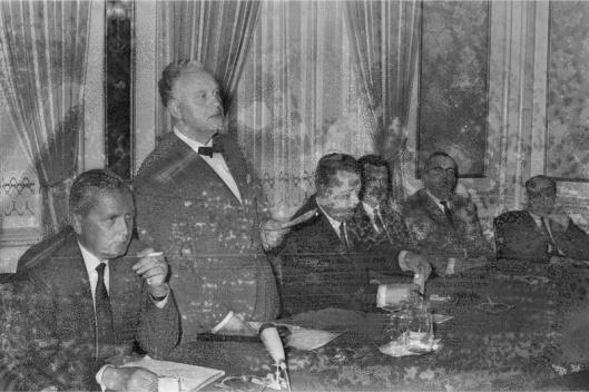 Bijeenkomst van de noodraad-boerenpartij in hotel Pays Bas, Utrecht, 29-9-1966. Van links naar rechts: ir. Willem Stam, M.J. (Martin) Rooster, J.W.Wouterse, B.J.Berger en J.A.Bomans (foto Jacques Klok)