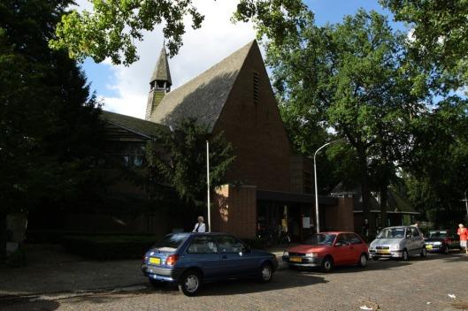 Kapel Nieuw Vredenhof aan de Van Oldenbarneveltkaan in Haarlem