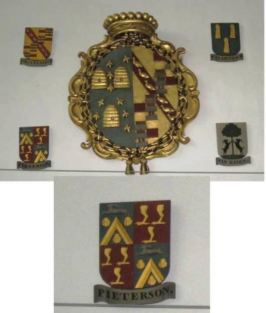 Voorbeeld van een rouwbord in de Oude St. Bavokerk te Haarlem van Quirina Catharina van Sijpesteyn, weduwe van Volkert van Jever. Daaronder wapenschildje van familie Petserson (foto Bert Roebert).