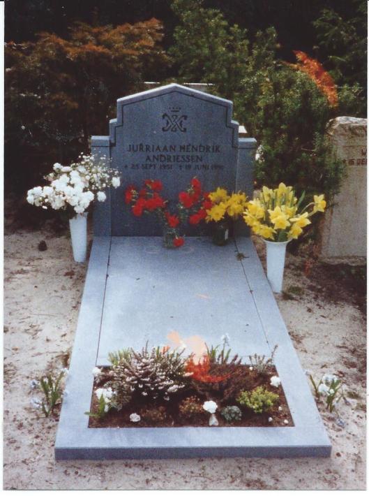 Graf van Jurriaan Hendrik Andriessen op de begraafplaats in Heemstede