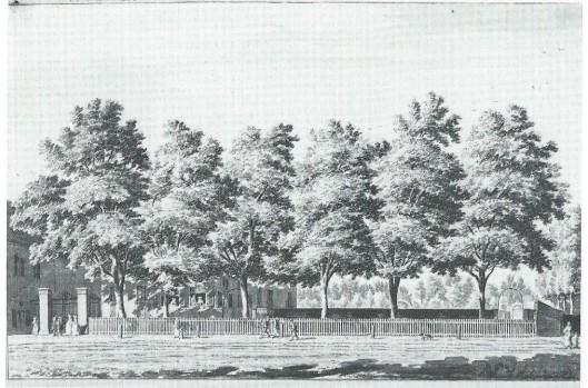 Omstreeks 1780 tekende Hendrik Spilman (1721-1784) de hofstede Eindenhout. Als tal van andere buitenverblijven in de directe omgeving van de stad was Eindenhout in de 18e eeuw in bezit van welgestelde Amsterdammers. In 1745 werd het buiten door koop eigendom van de in Amsterdam aan de Prinsengracht woonachtige belastingpachter Chridtoffel Lublink, die tegelijkertijd de vlak bij gelegen hetberg 'Het Droncken Huysje' of 'Dronckemanshuysje' verwierf. Volgens het verhaal zouden tijdens de oproeren tegen de pachters in juni 1748 op plunderen beluste Amsterdammers na een overvloedig onthaal in deze herberg van hun aanvankelijke voornemen zijn afgestapt. Het huidige Eindenhout, met zijn klassicistische voorbouw en marmeren sfinxen, dateert uit 1793.'