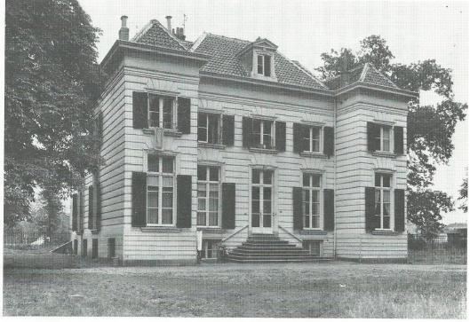 Huize Eindenhout, Wagenweg 242. Achterzijde, met de twee in 1886 gemaakte uitbouwen' (1964)