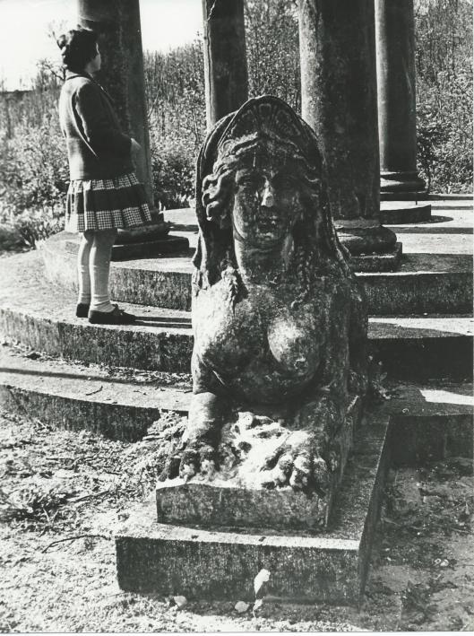 Koepel van Huis met de Beelden op een foto uit 1957