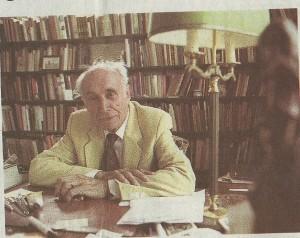 Jan Bomans in zijn werkkamer te Heemstede in een interview met het Haarlems Dagblad over zijn broer Godfried op 24 augustus 1994: