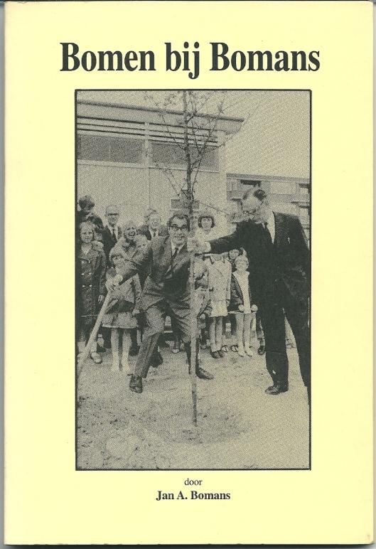 Voorzijde van 'Bomen bij Bomans' ; uitgave t.g.v. het planten ener Bomans-boom op 25 maart 1995 voor het huis Parklaan 12 te Haarlem waar Godfried Bomans zijn kinderjaren beleefde.