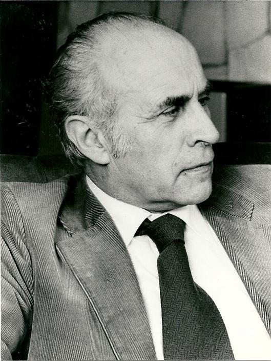 Nog een portretfoto van Jan Arnold Bomans