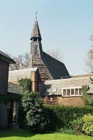 De kapel Nieuw Vredenhof aan de Van Oldenbarneveltlaan met het Scandinavisch torentje.