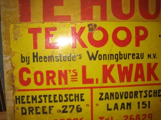 Reclamebord van woningbureau Kwak (uit collectie Historische Vereniging Heemstede Bennebroek)