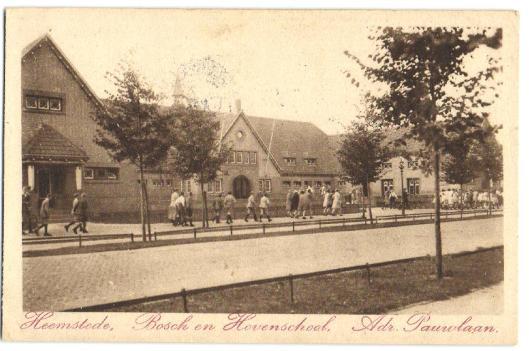 Prentbriefkaart van de Bosch en Hovenschool