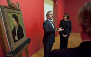 Simon Goodman ontvngt van Suzanne Delehanty, directeur van het Zimmerli Art Museum in New Brunswick een schilderij terug van Hans Baldung Grien (1509), leerling van Dürer. Het doek behoorde toe aan zijn grootvader Fritz Gutmann en was door de Duitse bezetters in 1943 in beslag genomen.