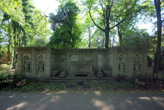 Grafmonument familie Gutmann op de begraafplaats van Berlijn-Wedding