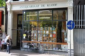 Vooraanzicht van antiquariaat de Kloof in de Kloveniersburgwal Amsterdam