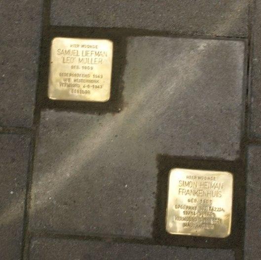 Op 13 september 2012 in Enschede gelegde Stolpersteine [struikelstenen], waaronder 1 in herinnering aan Samuel Liefman Leo Muller