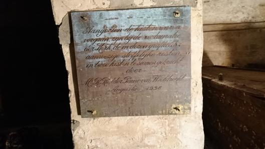In 1938 aangebrachte plaquette in grafkelder Pauw van de Oude Kerk Heemstede.