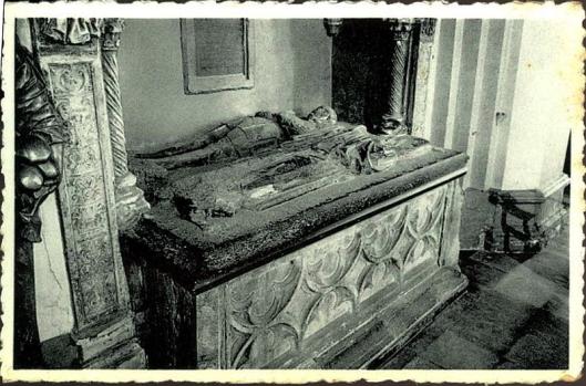 Het graf van Roeland le Fèvre en Hadewy van Heemstede in de kerk van Temse