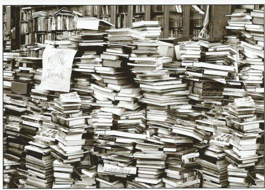 'Boeken niet aanraken' (foto Robert Knight)