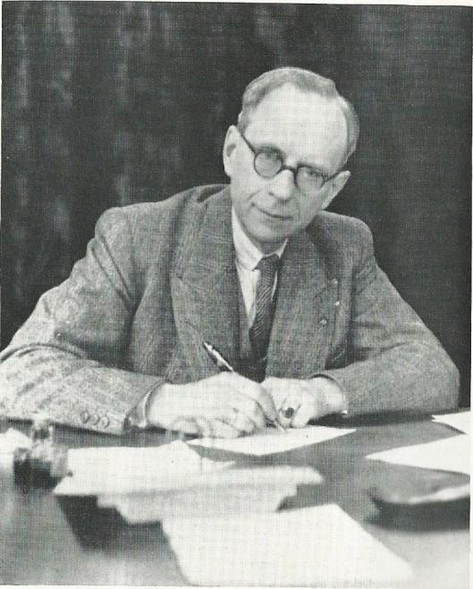 Dr.J.van der Elst werkzaam als rector van het Christelijk Lyceum in Haarlem