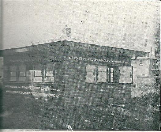 Bijkantoor van Kwam Woningbureau Camplaan, nabij de tramhalte Raadhuis