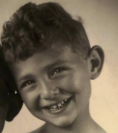 Klaus Michael Schuster, ov. 19-11-1943 Auschwitz (fotocoll. H.Danko-Monachimoff)